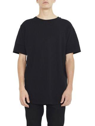 MEN Crew Neck T-shirt with Pin Tuck Sleeve Detail