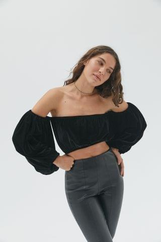 WOMEN Urban Renewal Vintage Remnants Off-The-Shoulder Velvet Top