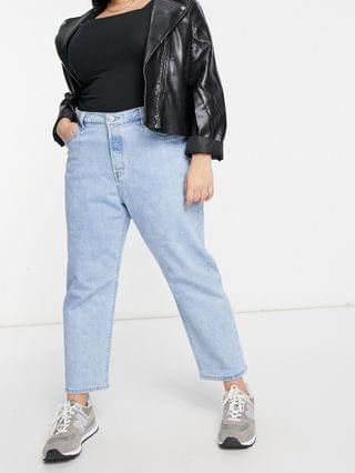 WOMEN Levi's Plus 501 cropped jeans in light wash blue