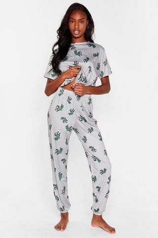 WOMEN Find Roar Wild Dinosaur Jogger Pajama Set