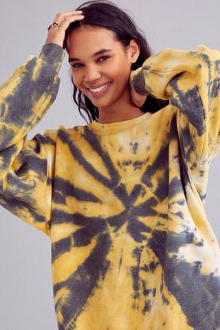 WOMEN Urban Renewal Recycled Shattered Glass Tie-Dye Crew Neck Sweatshirt