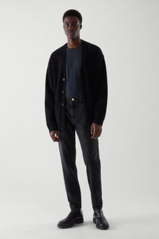 MEN RECYCLED COTTON TAPERED JEANS