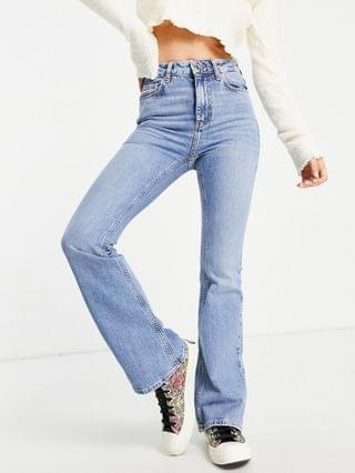 WOMEN New Look Petite flare jeans in light blue