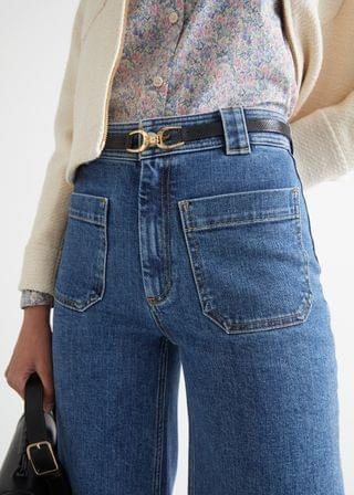 WOMEN Flared Cropped Patch Pocket Jeans