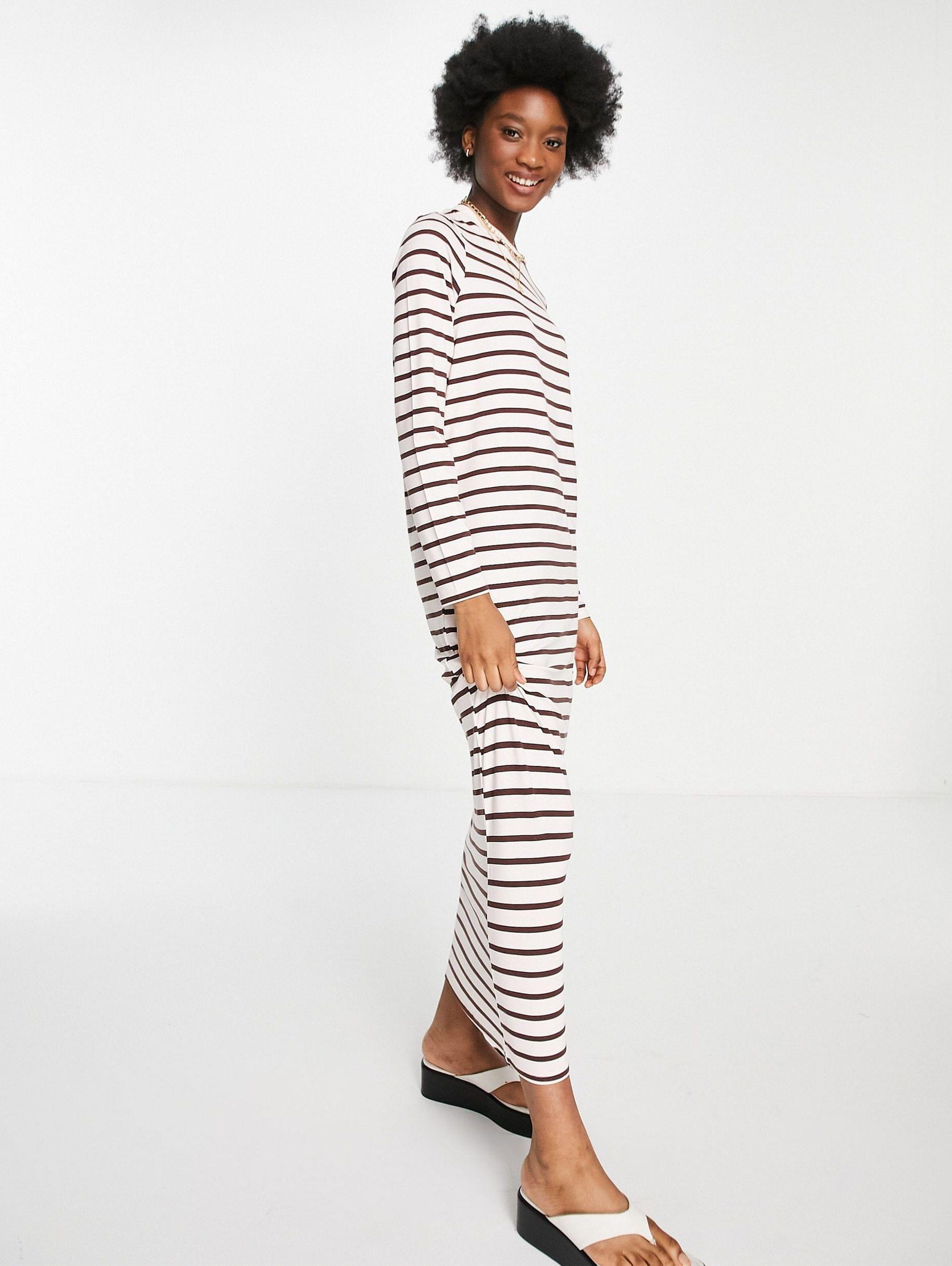 Long sleeve maxi t-shirt dress in pink and brown stripe