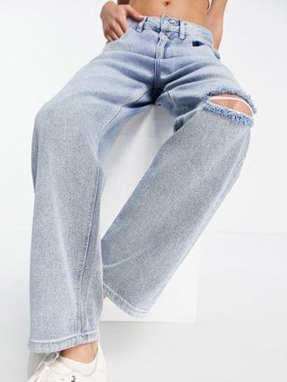 WOMEN Urban Bliss slim straight leg jeans with rips in light wash