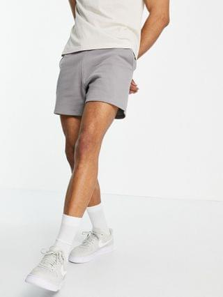 New Look shorter length jersey shorts in light gray