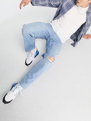 New Look loose fit jeans with knee slash in light blue wash