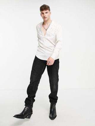 MEN overhead satin shirt with shawl neck and embroidery in off white