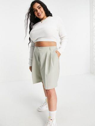 WOMEN COLLUSION Plus longline tailored shorts in light green