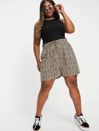 WOMEN Wednesday's Girl Curve relaxed shorts in leopard print