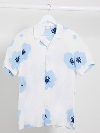 regular revere shirt with large scale blue floral