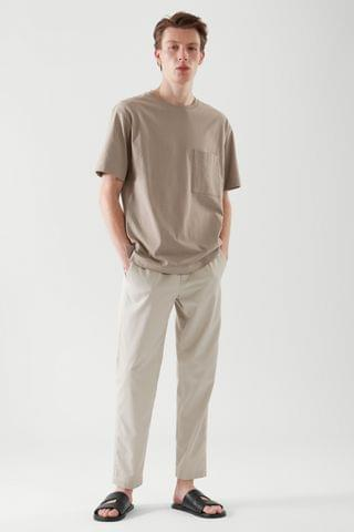 MEN RELAXED-FIT PATCH POCKET T-SHIRT