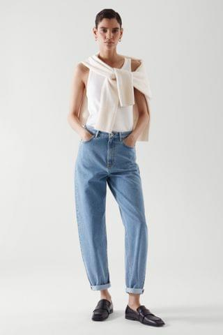 WOMEN TAPERED HIGH-RISE JEANS